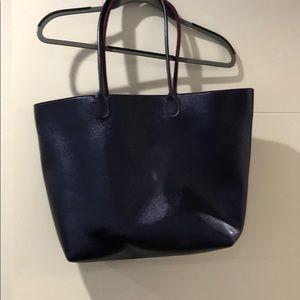 Shiny purple shoulder bag